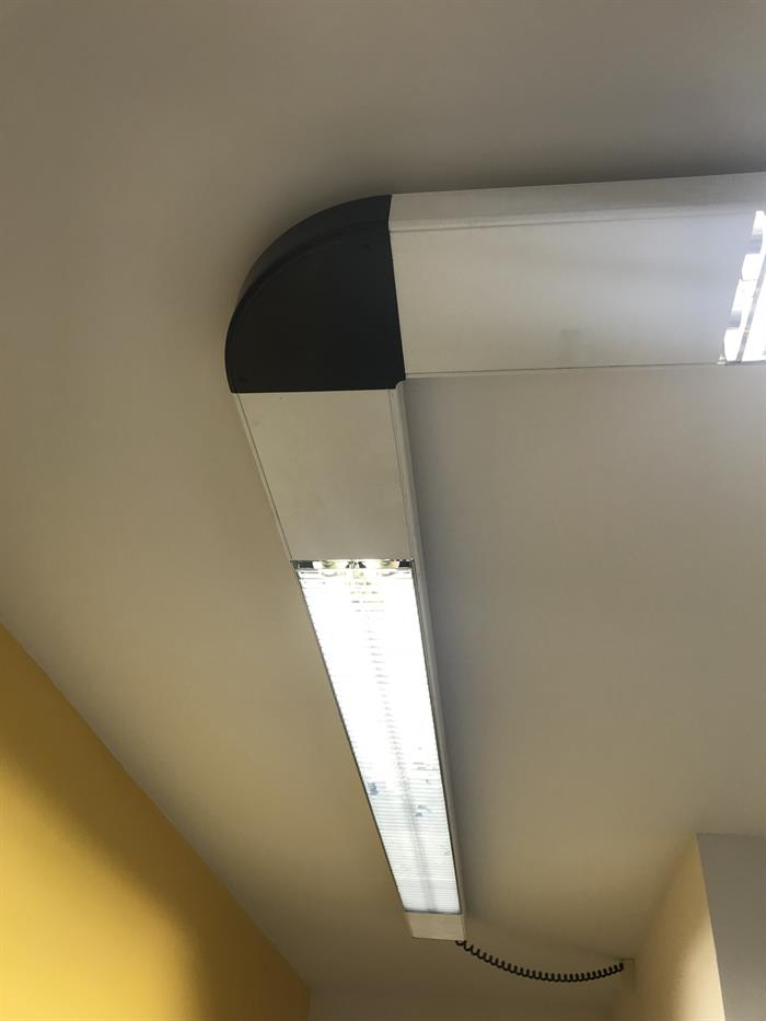 Luci Al Neon Per Ufficio.Illuminazione Neon Per Ufficio Negozio Su Lapulce It Arredamento E