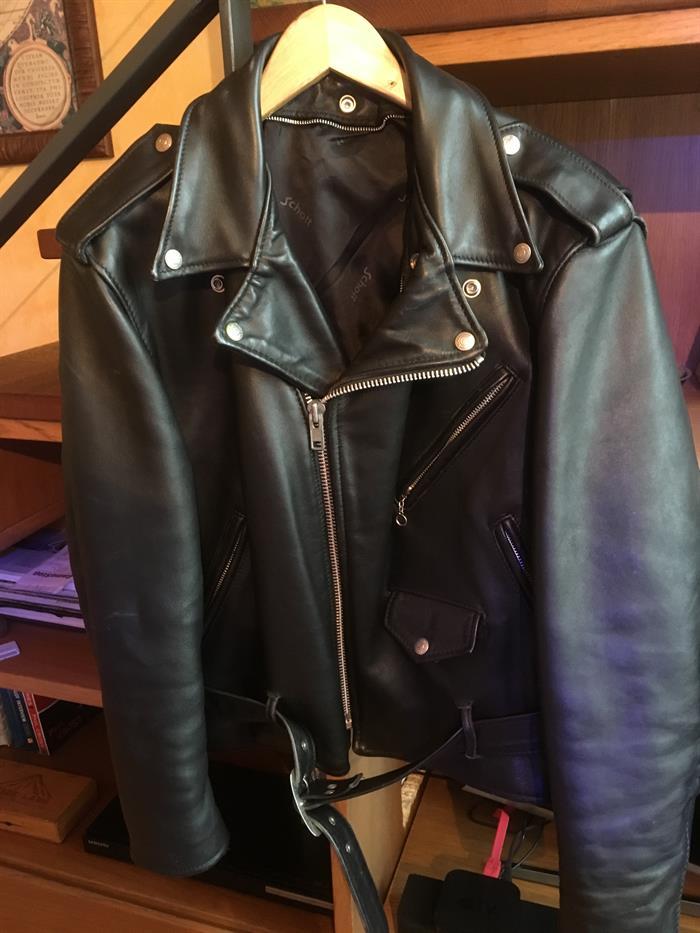 GIUBBOTTO PELLE CHIODO su LaPulce.it abbigliamento e accessori 1ae5ec200a8a