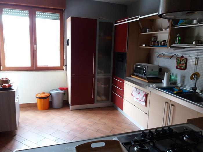 Cucina febal rossa e rovere chiaro mt su lapulce arredamento
