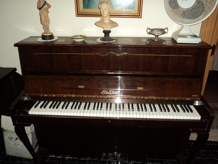 Pianoforte verticale sgabello su lapulce.it strumenti musicali