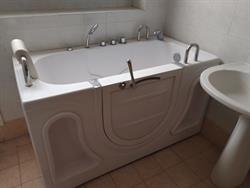 Vasca Da Bagno Usate : Vasca da bagno per disabili su lapulce gratis