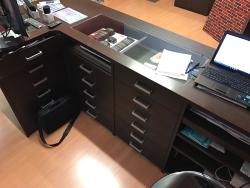 Arredo Ufficio Wenge : Arredo negozio ufficio bancone su lapulce arredamento e